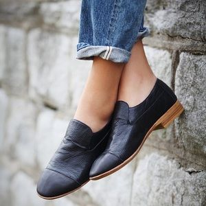 Jeffrey Campbell Berkeley black flat leather 40/10